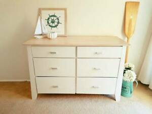 White Beach house Chest of Drawers / Dresser