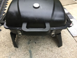 BBQ portable with ignitor  used only 1 time