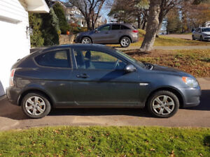 2009 Hyundai Accent Hatchback Manual/Standard Transmission