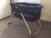 Inovi cocoon travel cot and bassinet brand new