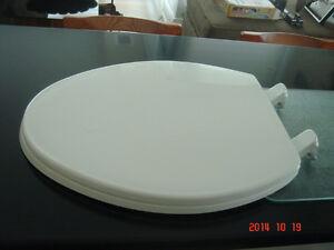 NEW! KOHLER ELONGATED TOILET SEAT