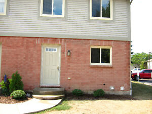 3 Bedroom Townhouse - St. Catharines  Avail July 1/16 $1275/mon