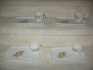 T.V. Snack Set Plates & Cups - Wheat design