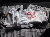 Taekwondo suit (130 cms) and sparring set