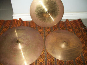 Drum Cymbals Peavey International Series II 2 Lot of 3 pieces