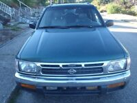 1996 Nissan Pathfinder SE SUV