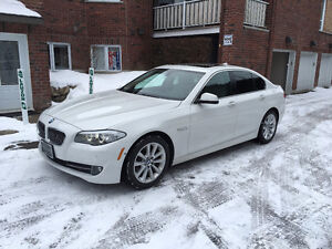 2013 BMW 528i xdrive, Groupe de Luxe, Groupe Navigation