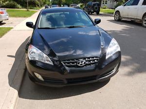 2012 Hyundai Genesis coupe 2.0t low kms