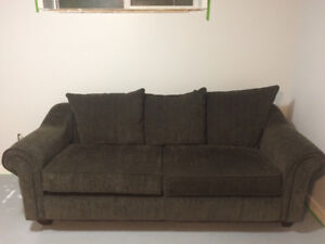 Excellent Condition Cozy Couch.