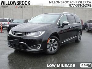 2017 Chrysler Pacifica Hybrid Platinum  - Low Mileage