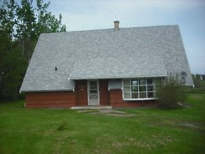 Cottage next to Sandy Beach on Gulf Shore $900 weekly