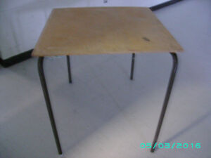 TABLES 30 X 30.
