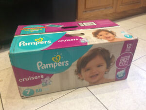 Couches Pampers Cruisers Taille 7 (boîte neuve, 88 couches)