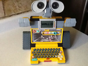 WALL-E V-TECH INTERACTIVE LEARNING LAPTOP London Ontario image 5