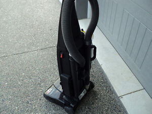 BISSEL POWER-FORCE!! VACUUM & ATTACHMENTS + NEW SET OF BAGS Windsor Region Ontario image 3