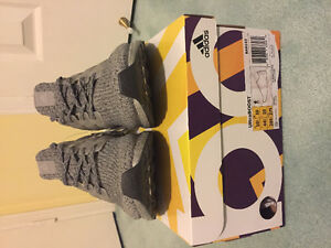 SELLING ULTRA BOOST 3.0 MYSTERY GREY SIZE 10.5