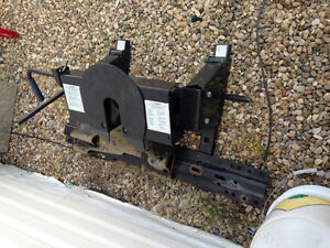 Brand new never used fifth wheel hitch