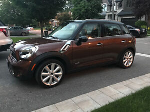 2013 MINI Cooper Countryman S ALL4 Fully Loaded Low KMs