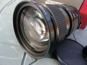 Canon FD Mount 35-105mm f3.5 Wide Angle Zoom Lens with MACRO VGC