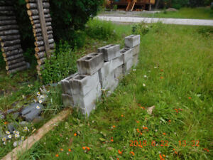 28 Concrete Cinder Blocks