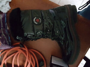 Avalanche by cougar winter boots size 8 women's $50 OBO