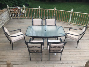 Patio dining set (beige pillows) metal