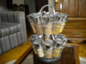 REVOLVING METAL SPICE RACK HOLDER