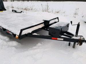 2015 Flat deck trailer 24ft - 10,000 Lbs rated
