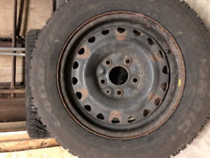 Used Snow tires with Steel rims set of 4 225/60R16