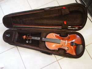 4/4 Stentor Fiddle/Violin