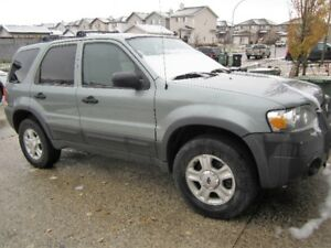 2005 Ford Escape XLT 4X4 3.0 V6 SUV, Crossover