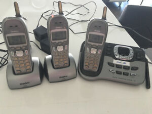 Used phones good condition. With base and answering. Uniden
