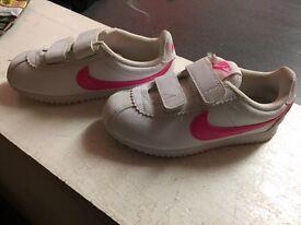 Nike kids trainers size 10 ,5new