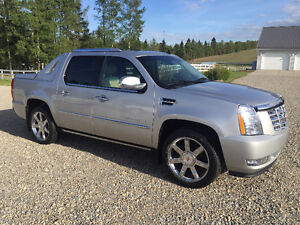 2010 CADILLAC ESCALADE EXT SUV, ONLY 92000KM