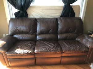 2 leather couches for sale in ndg , great quality and  price ndg