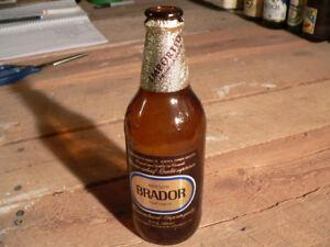 plusieurs bouteille de bière de collection