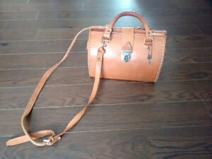 Genuine Leather Medecine Bag Purse Gatineau Ottawa / Gatineau Area image 3