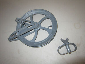 Clothesline pulley and mini winch