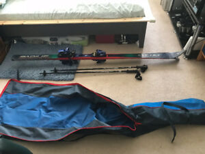 SET OF SKIS 190CM, POLES AND CARRY BAG