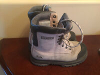 Dakota work boots size 6, gently used