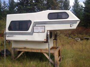"Northern lite 6' 10"" small truck camper"