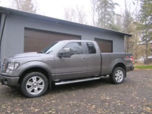 2010 Ford F150 4x4 FX4 Package low kms