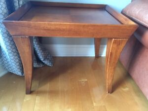 2 coffee tables in solid wood with partial glass top West Island Greater Montréal image 2