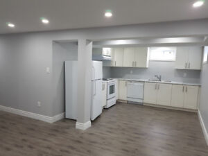 **SPACIOUS AND BRIGHT 2 BEDROOM APARTMENT** NEEDS TO BE SEEN!