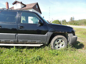 PARTING OUT 2003 CHEVROLET AVALANCHE (MUS)