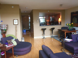 Modern Airy Penthouse Loft Downtown-West End Greater Vancouver Area image 10