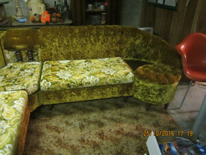 ORIGINAL 1970'S SECTIONAL COUCH WITH TABLE. Regina Regina Area image 2