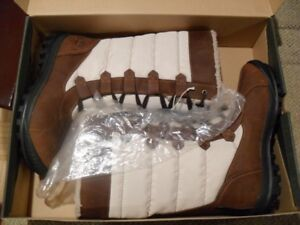 TIMBERLAND MOUNT HAYES WINTER BOOTS SIZE  10 available.