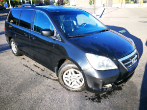 HONDA ODYSSEY TOURING 7 PASS, ALL OPTIONS, LEATHER, GREAT ON GAS