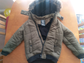 Boys winter jacket. Size 9-10.